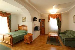 Студио, зона спальни и гостиной..