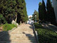 лестница к набережной от корпусов
