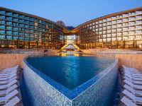 «Mriya Resort Spa», основной корпус и бассейн