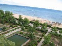 вид на территорию и пляж