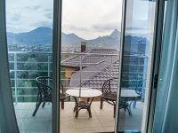 2 м с балконом вид на горы..
