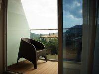 балкон улучшенного