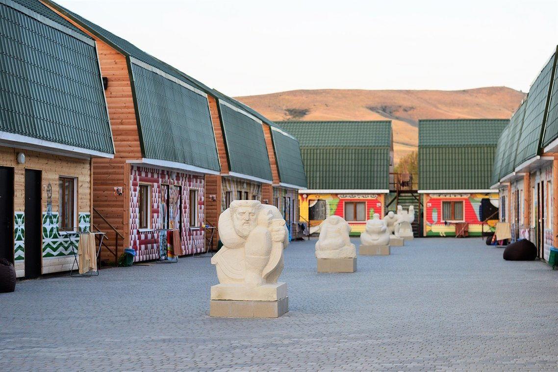 отель «Younge Art Camp»