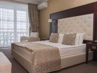 семейный люкс спальня 1
